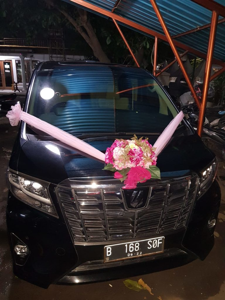 alphard transformer wedding hitam