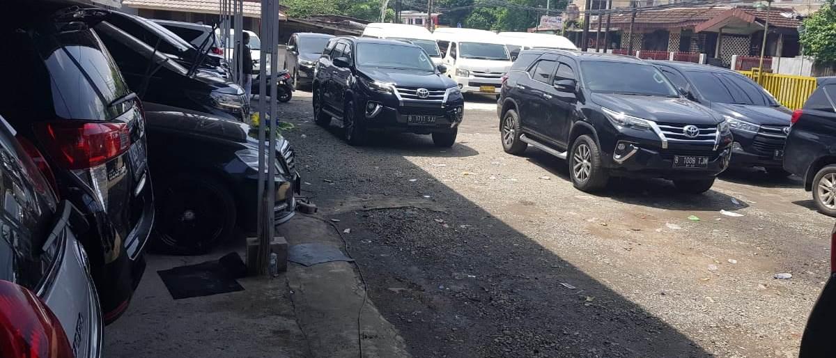 Permalink to: Sewa Mobil Mewah di Semarang